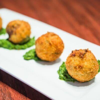 Crocchè di patate napoletane ricetta originale, croquette, crocchette di patate.