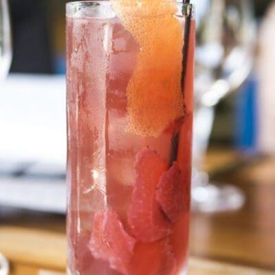 Punch al rum con pompelmo rosa, con sedano e salvia la ricetta cocktail 2016