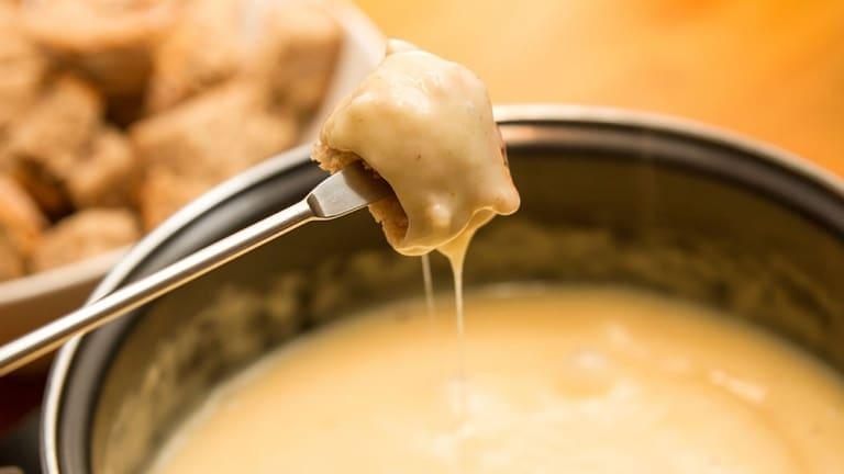 Fonduta alla Valdostana: come preparare il piatto più amato dagli amanti del formaggio