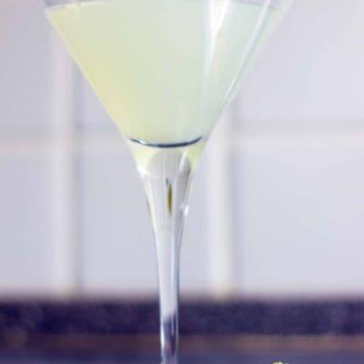 Gimlet cocktail: la ricetta originale a base di gin e lime cordial di un drink leggendario