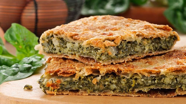 Erbazzone ricetta originale emiliana, torta salata con spinaci ricetta antiche