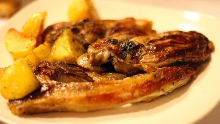 Come fare il vero abbacchio alla romana al forno con patate? Ecco la ricetta definitiva!