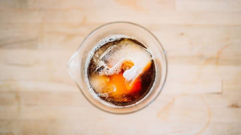 Chinotto industriale, bevande zuccherate causano obesità e diabete nei bambini