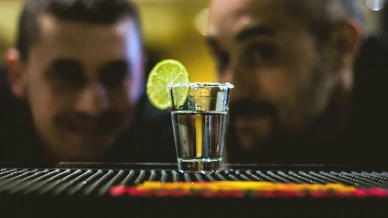 Tequila sale e limone: la ricetta dello shottino perfetto per bere la tequila come un vero charro messicano
