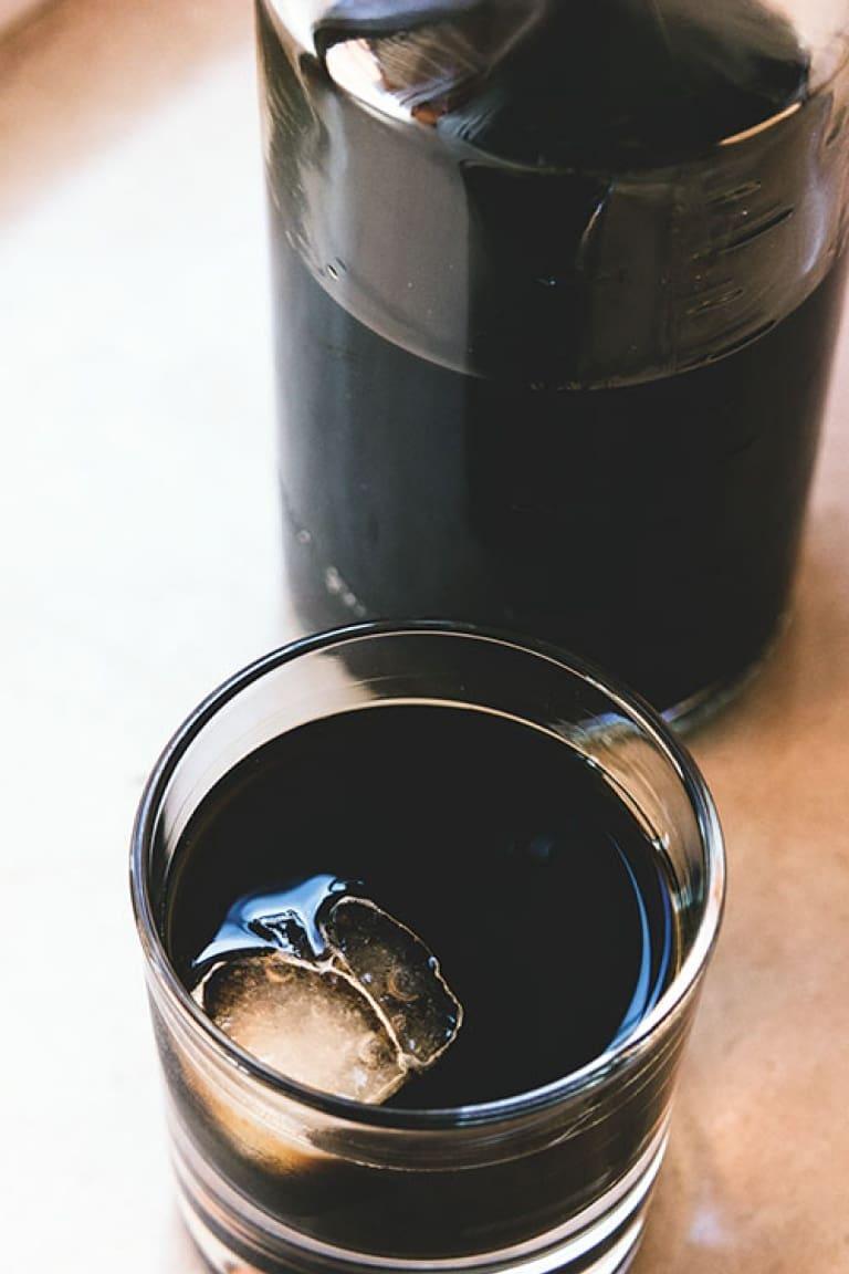 Bartender Life: come fare il liquore alle bacche di ginepro, la ricetta perfetta