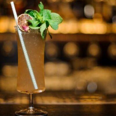 Sherry Cobbler cocktail ricetta originale americana con ghiaccio tritato