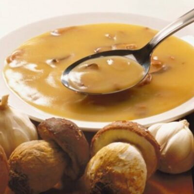Foto della ricetta vellutata di patate con porcini cucina veloce e sfiziosa.