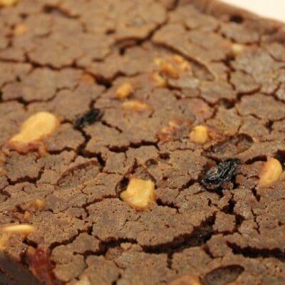 Castagnaccio ricetta originale, come fare il dolce di farina di castagne.
