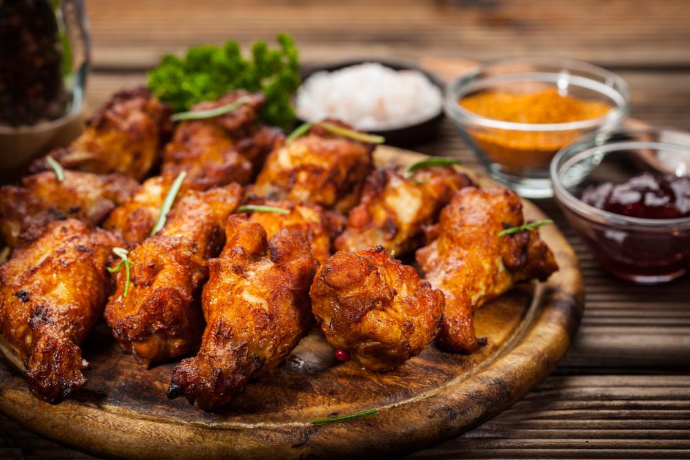 Ali di pollo affumicate al barbecue con rub alla paprika, cumino e zenzero: la ricetta perfetta